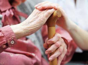 Пожилые люди и дома престарелых Телемедсестра